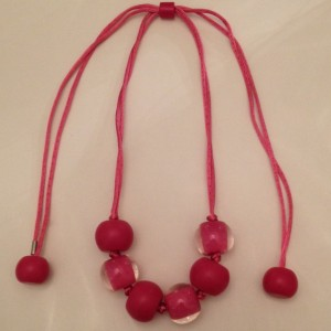 collier pink